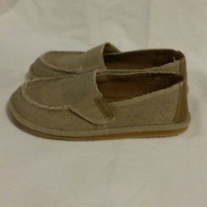 Children's Place canvas slip ons (Boys)